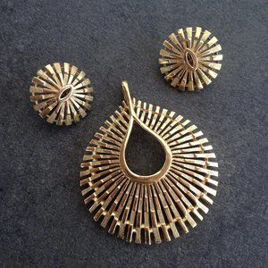 Vintage Modernist Pendant and Earrings by Trifari